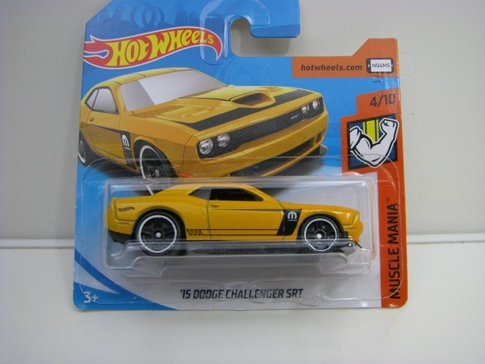 Dodge Challenger SRT Yellow Hot Wheels Muscle Mania-2018-FKB06